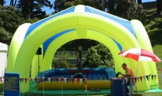 Airbarn_inflatable_shelter_with_mechanical_surfboard_2.JPG