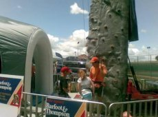 ROCKUP_sponsored_rock_wall_event_2_1.jpg